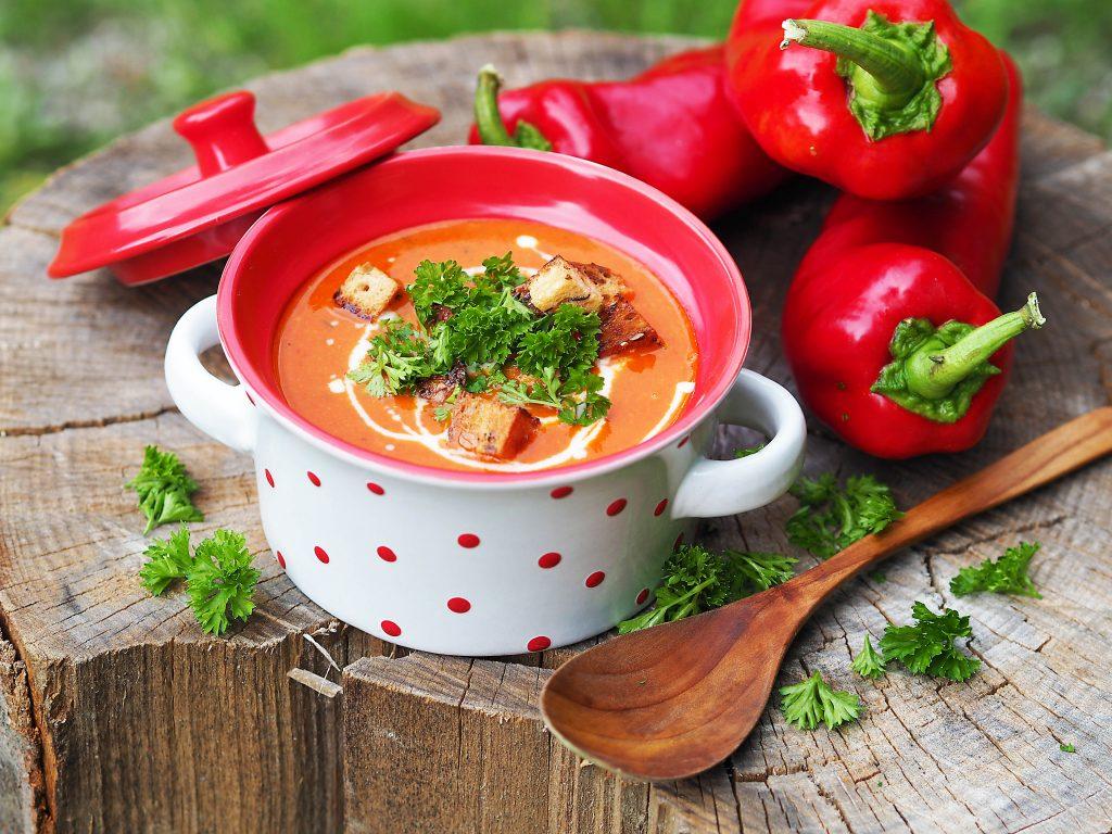 papriková polévka